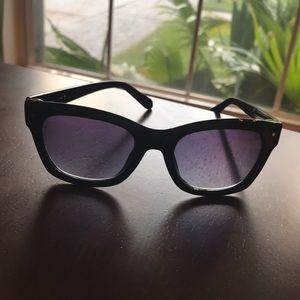 Black Kate Spade sunglasses super cute and classic